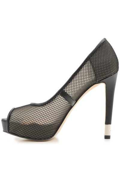 Zapato GUESS Negro Perforado