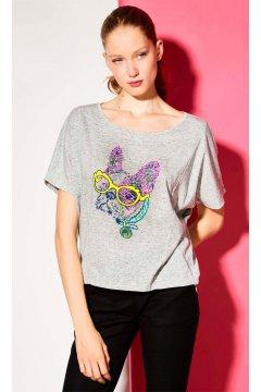 Camiseta DOLORES PROMESAS Dibujo Tula Gafas