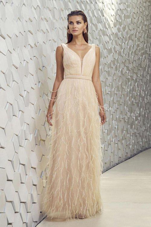 Vestido CARLA RUIZ Largo Plumas 95406