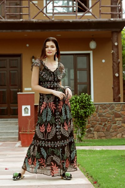 Vestido IBBAN Negro Bordado SARA LONG DRESS