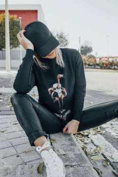 Sudadera SPACE FLAMINGO Estampada Negra SF_E002