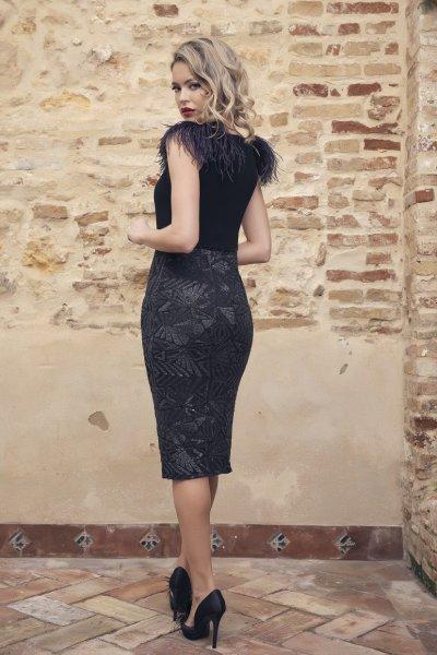 Vestido NURIBEL Corto Detalle Plumas 14939