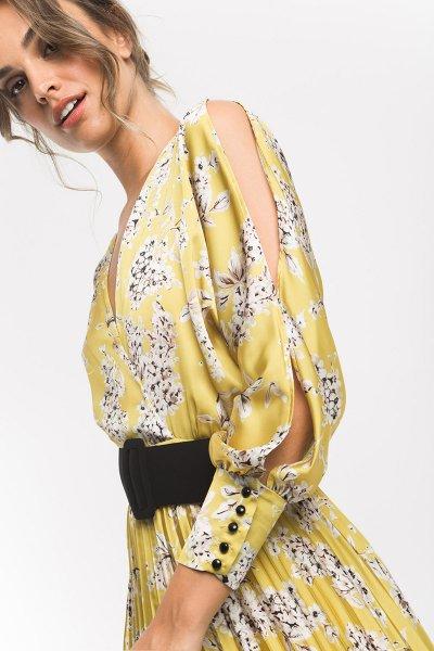 Vestido ALBA CONDE Estampado Plisado + Cinturón