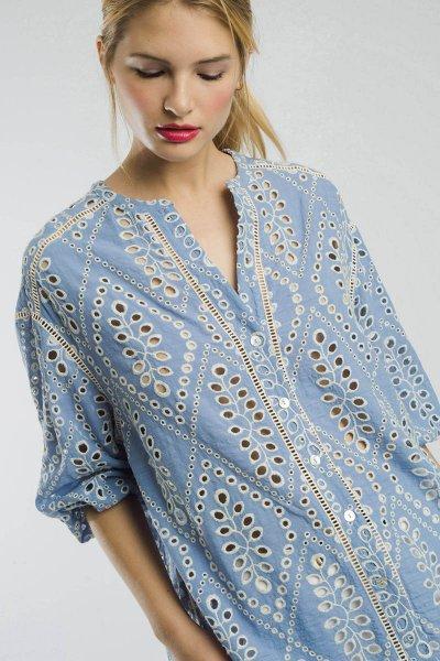 Blusa ALBA CONDE Azul Troquelada 2311-425-36