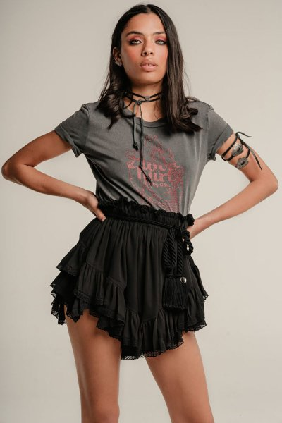Short GUTS & LOVE Lace in Black P-21-1-004